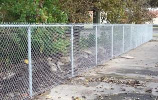 Clôture Avantage et Lévisienne, clôtures à Québec clôture de mailles galvanisées 5' haut