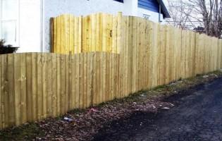 Clôture Avantage et Lévisienne, clôtures à Québec Clôture de bois traité 7' haut