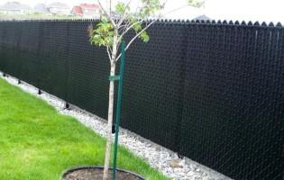 Clôture Avantage et Lévisienne, clôtures à Québec Clôture de Mailles couleur noir 5' haut
