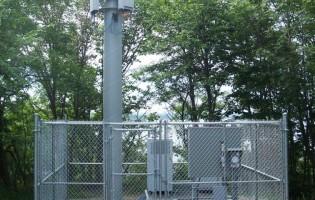 Clôture Avantage et Lévisienne, clôtures à Québec clôture de maille commerciale 8' haut.