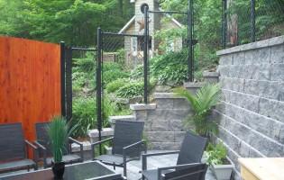 Clôture Avantage et Lévisienne, clôtures à Québec Frost en escalier