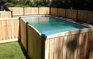 Clôture Avantage et Lévisienne, clôtures à Québec Clôture de cèdre blanc planche ajourée piscine creusée