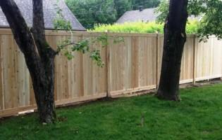 Clôture Avantage et Lévisienne, clôtures à Québec clôture cèdre blanc embouté