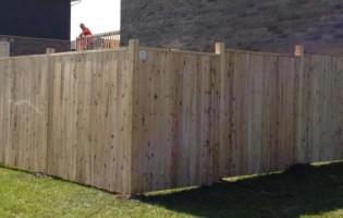 Clôture Avantage et Lévisienne, clôtures à Québec Clôture de bois cèdre blanc palissade droite