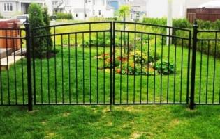 Clôture Avantage et Lévisienne, clôtures à Québec Porte double contemporaine