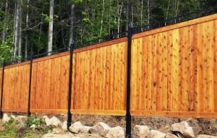 Clôture Avantage et Lévisienne, clôtures à Québec Cèdre blanc embouveté