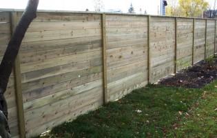 Clôture Avantage et Lévisienne, clôtures à Québec bois traité horizontale
