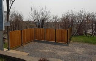Clôture Avantage et Lévisienne, clôtures à Québec Cèdre blanc embouveté teinture sikken