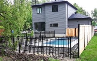 Clôture Avantage et Lévisienne, clôtures à Québec Fer forgé et intimité