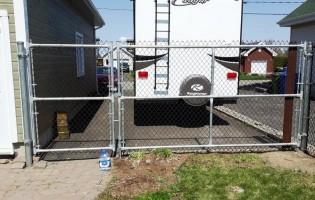 Clôture Avantage et Lévisienne, clôtures à Québec porte double très solide