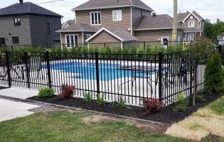 Clôture Avantage et Lévisienne, clôtures à Québec Clôture contemporaine et mailles de chaîne