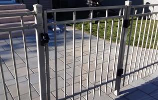 Clôture Avantage et Lévisienne, clôtures à Québec Penture, charnière de luxe