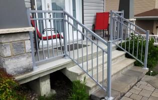 Clôture Avantage et Lévisienne, clôtures à Québec Rampe d'escalier
