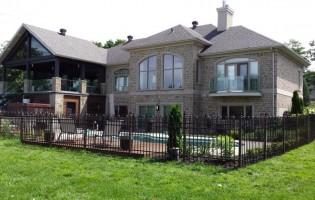 Clôture Avantage et Lévisienne, clôtures à Québec Maison de prestige clôture de piscine