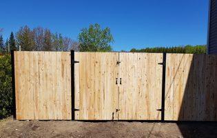 Clôture Avantage et Lévisienne, clôtures à Québec Porte double en palissade droite