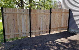 Clôture Avantage et Lévisienne, clôtures à Québec verso d'une palissade