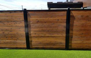 Clôture Avantage et Lévisienne, clôtures à Québec Embouveté horizontale dans un cadre en acier noir