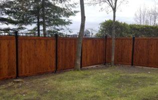 Clôture Avantage et Lévisienne, clôtures à Québec Clôture teinture chênes foncé