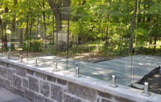 Clôture Avantage et Lévisienne, clôtures à Québec Clôture de verre sur muret