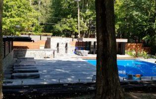 Clôture Avantage et Lévisienne, clôtures à Québec Clôture de verre 12 mm aménagement piscine creusée